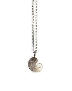 hanger pompeblêd in zilver met diamant